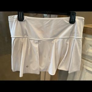 Lululemon skirt size 10